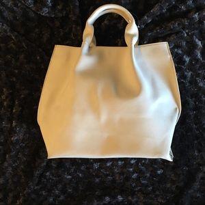 🐞Beautiful cream vegan leather purse